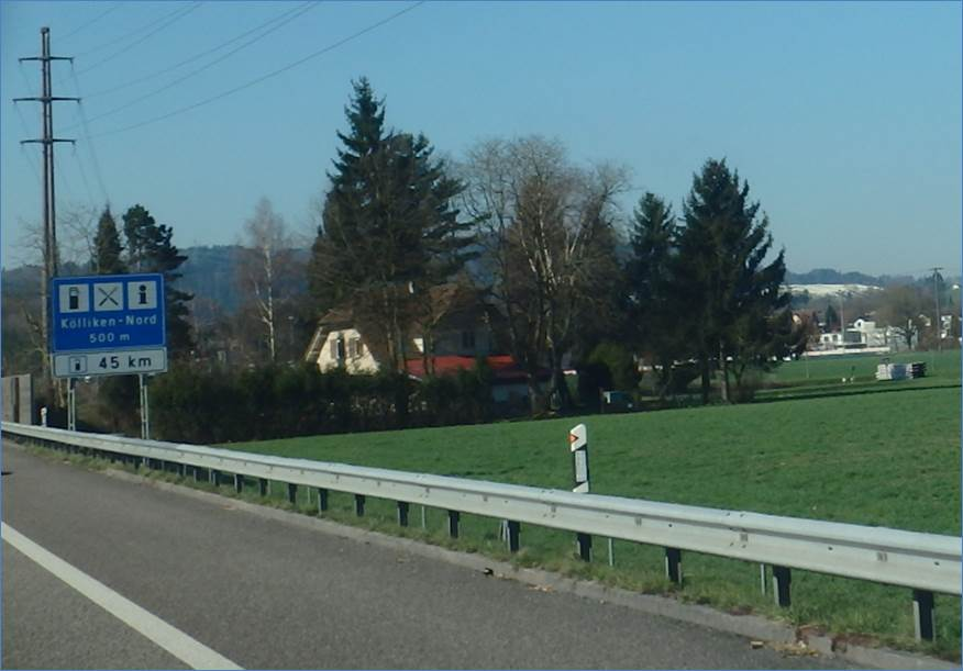 was ist das riesige halle an der schweizer autobahn. Black Bedroom Furniture Sets. Home Design Ideas